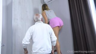 Old Goes Young – Sweetie thanks a caring mature man